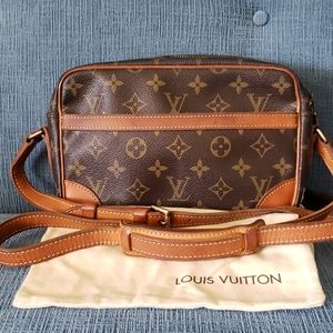 Auth. Louis Vuitton Trocadero 23